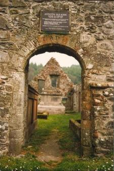 Anwoth Old Kirk. Samuel Rutherford was the minister here from 1627 to 1638, Mick Garratt - own work, May 1997, Wikimedia
